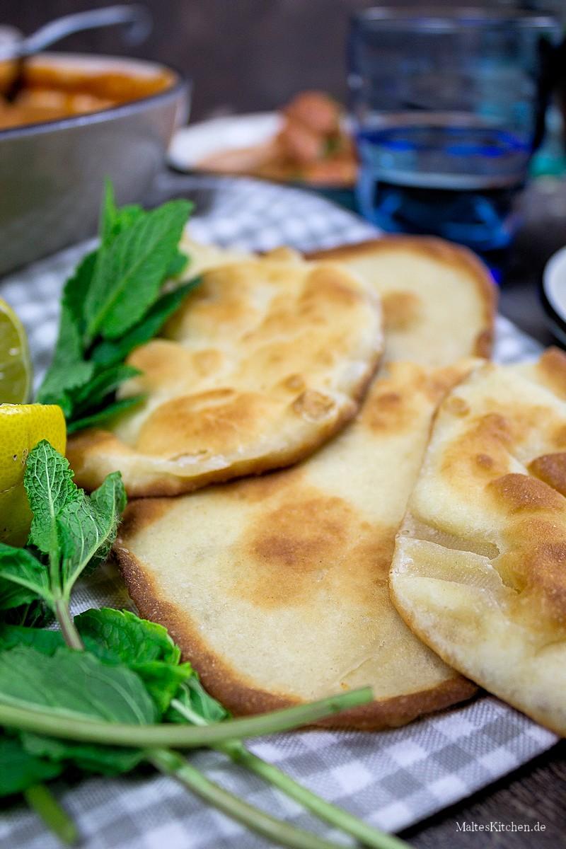 Selbstgebackenes Naan Brot
