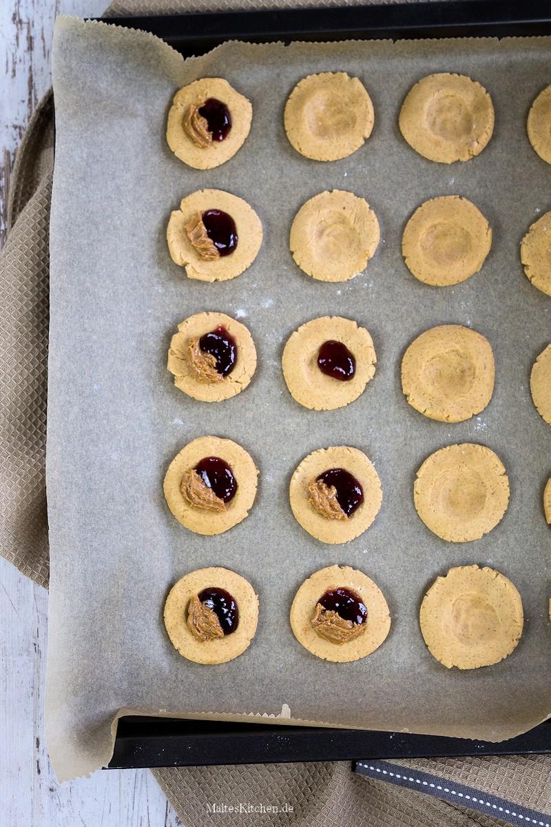 Mit Erdnussbutter gefüllte Cookies