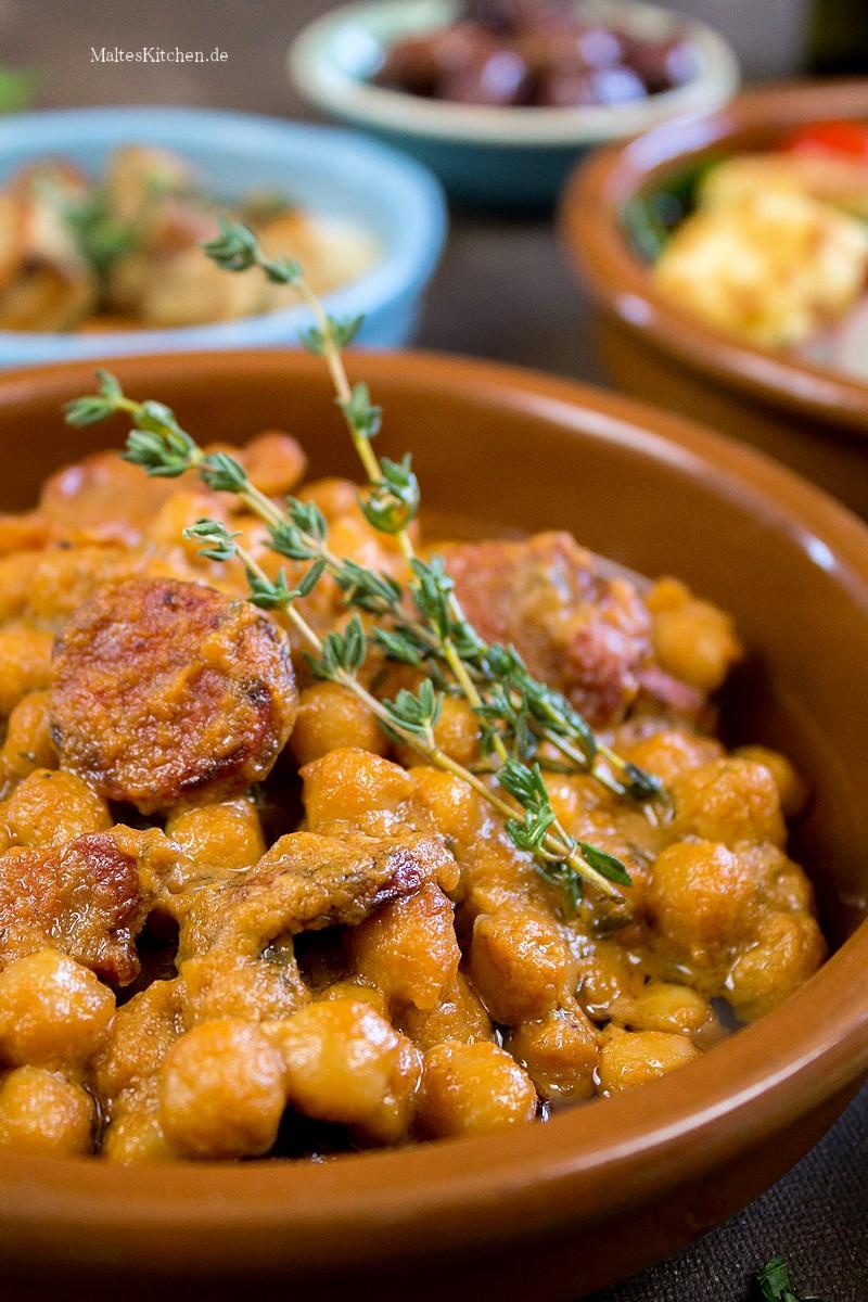 Kichererbseneintopf mit Speck und Chorizo