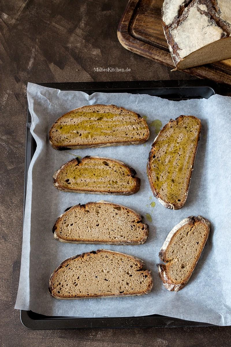 Im Ofen geröstetes Brot