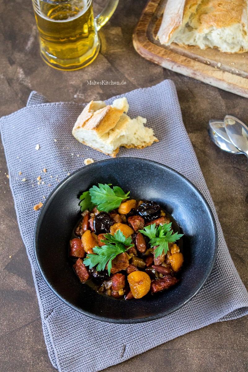 Eintopf mit Aubergine, Chorizo und Pflaume