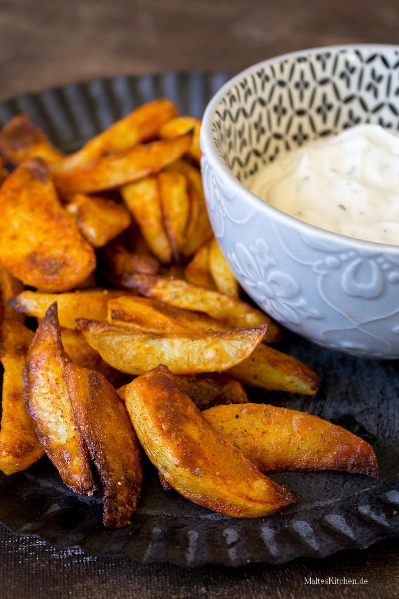 Kartoffelecken mit Sour Creme