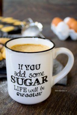 Kaffee passt super zu den Madeleines