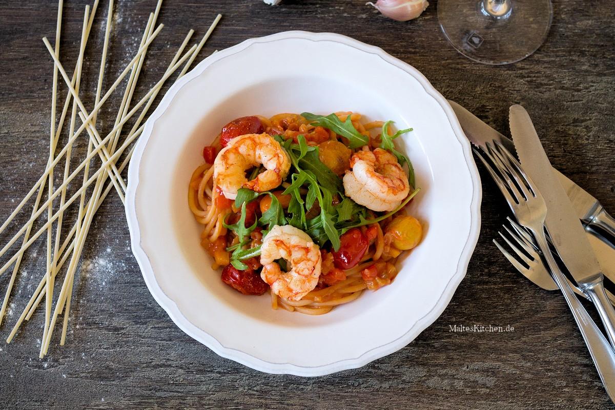 Rezept für Spaghetti mit Paprika, Tomaten & Garnelen