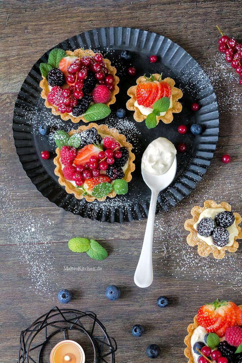 Leckere Tartelettes mit frischen Beeren