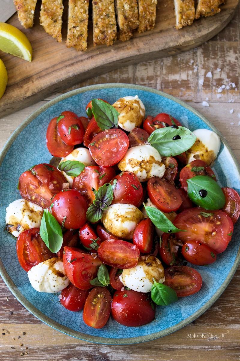 Tomatenbsalat mit Mozzarella und Basilikum
