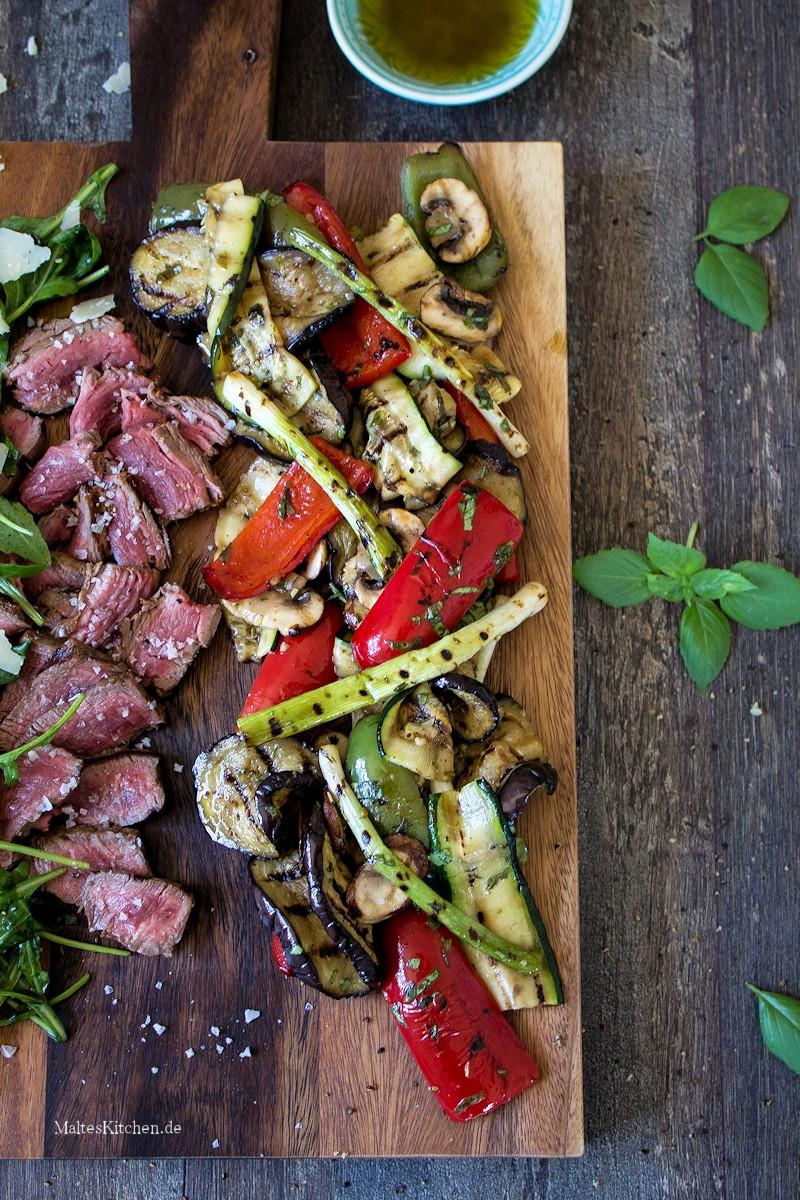 Gegrilltes Gemüse mit Rinderfilet