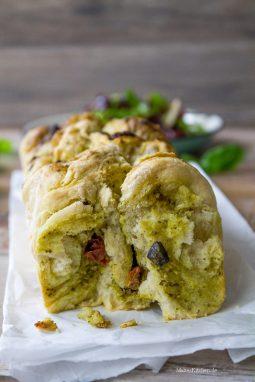 Zupfbrot mit veganem Pesto