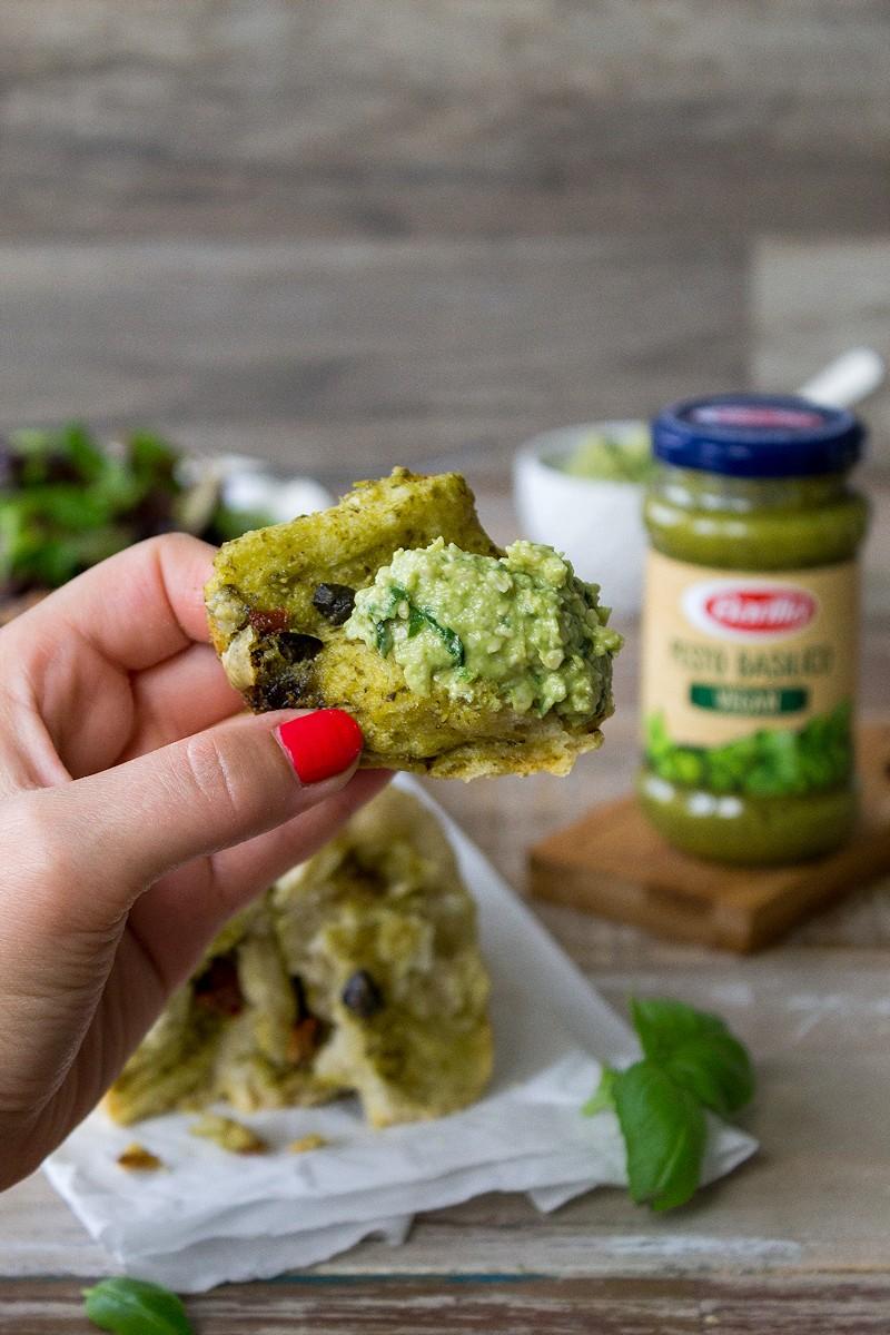 Leckeres Zupfbrot mit Pesto!
