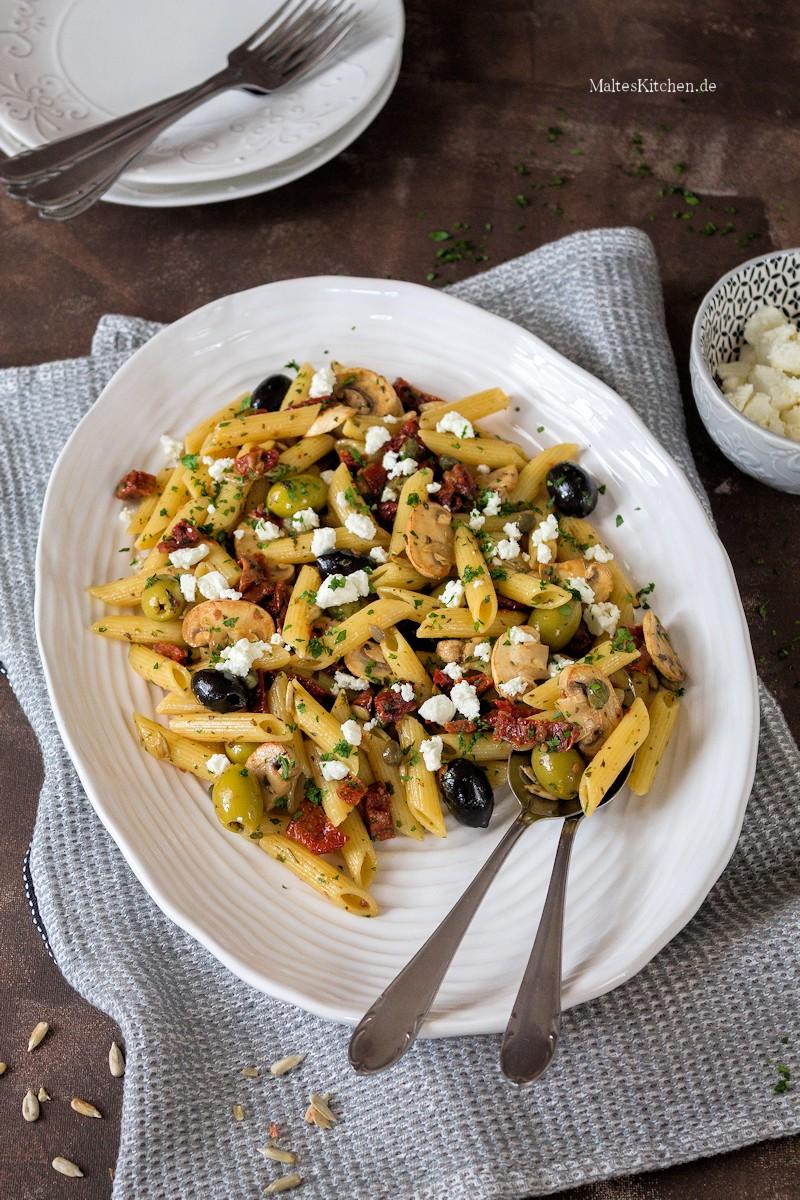 Ein leckerer Antipasti Salat