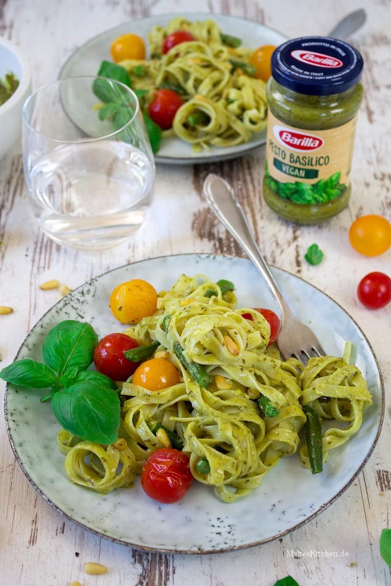 Tagliatelle mit Barilla veganes Pesto