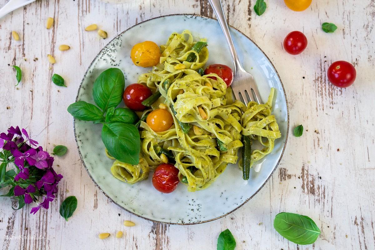 Rezept für Tagliatelle mit Pesto, Bohnen und Kirschtomaten