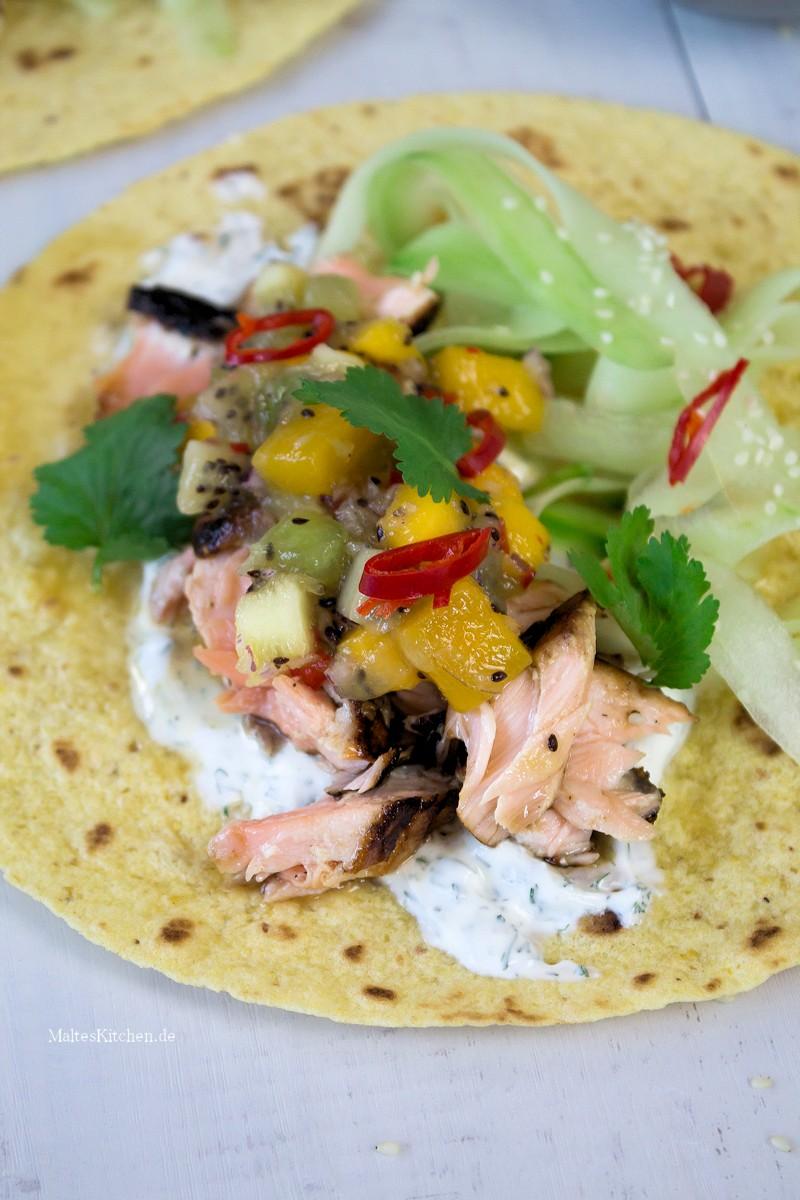 Saftiger Lachs mit fruchtiger Kiwi-Salsa