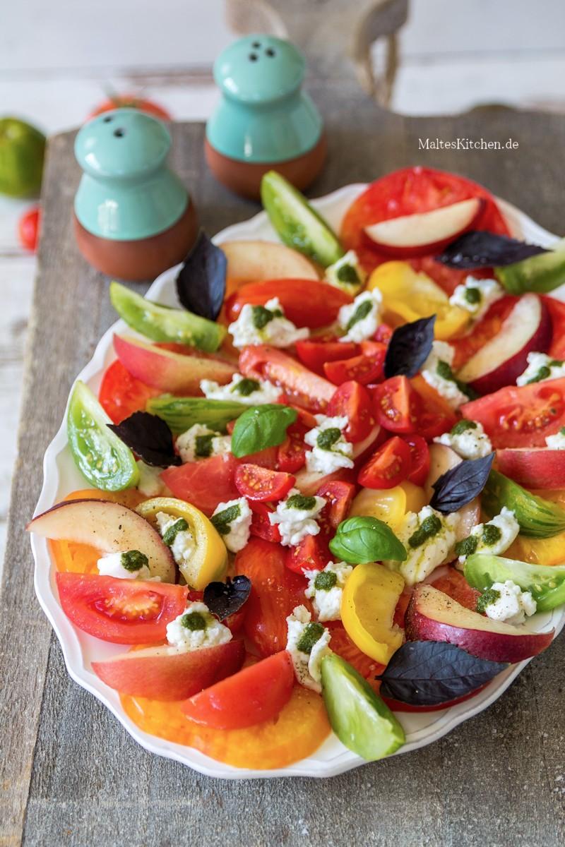 Bunter Nektarinen-Tomaten-Salat