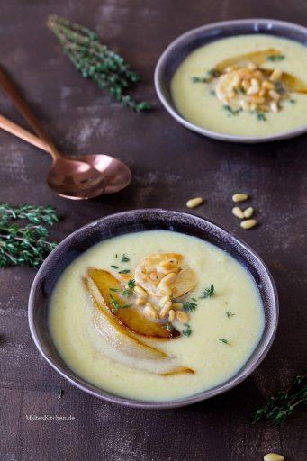 Cremige Lauchsuppe mit Birnen und Käse