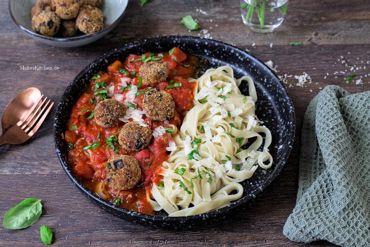 Rezept selbstgemachte Fettuccini mit Tomatensauce