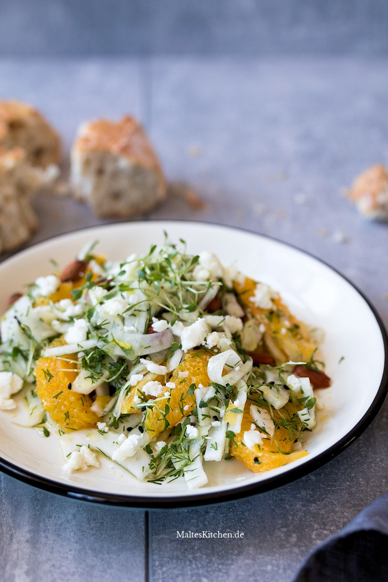Salat mit Fenchel, Orange, Mandeln und Feta
