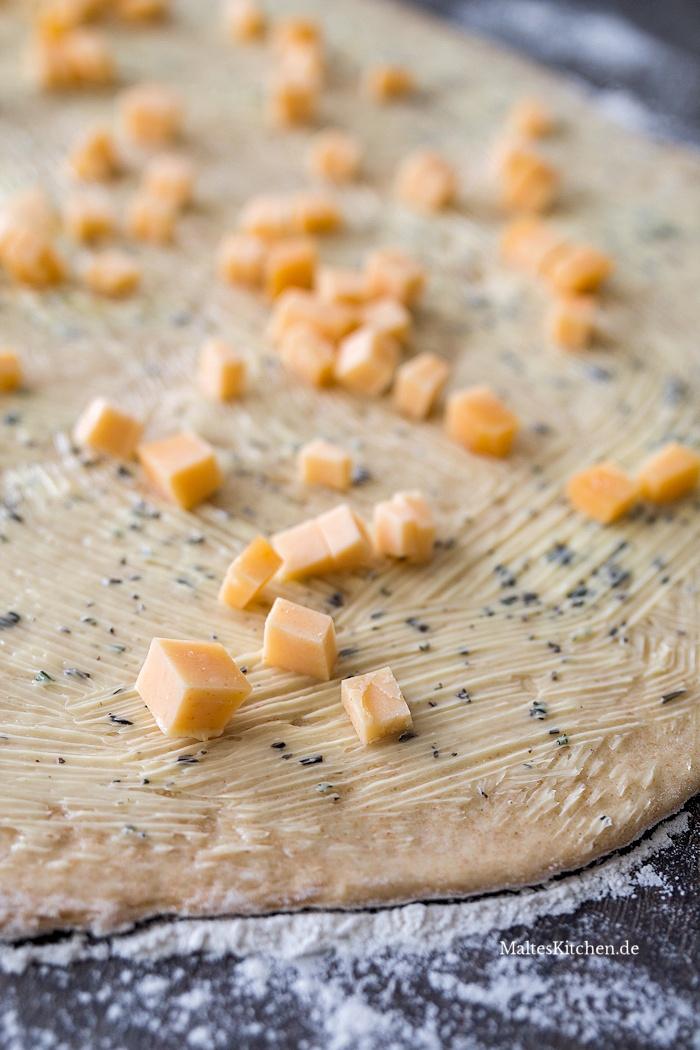 Zupfbrot Hefeteig und Käse