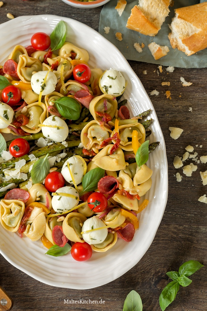 Antipasti-Tortelloni-Salat mit Steinhaus Salami