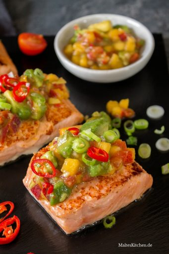 Orangen-Lachs mit fruchtiger Salsa