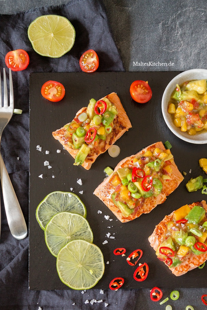Gebratener Lachs mit Orange und Avocado-Nektarinen-Salsa