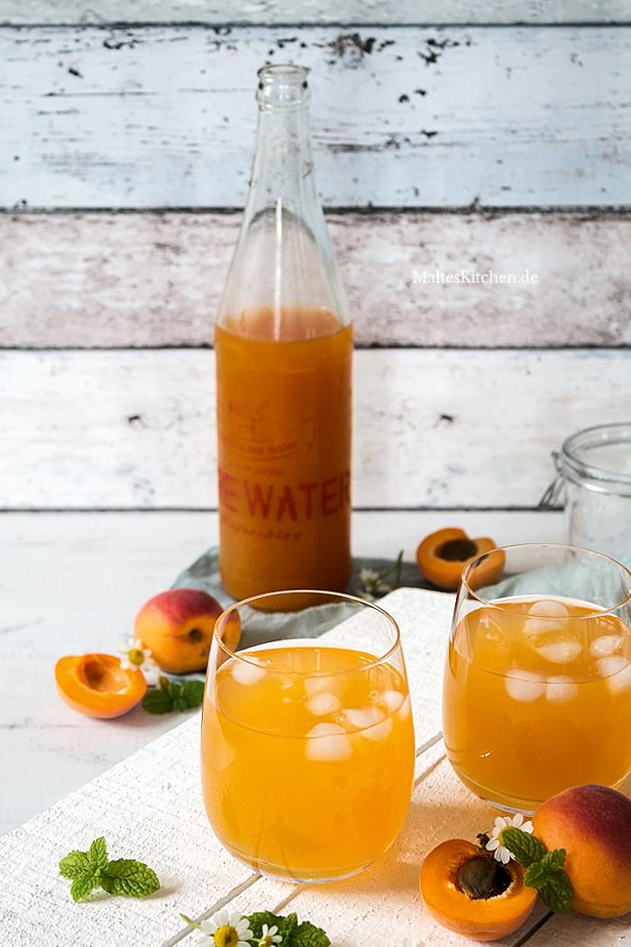 Selbstgemachter Eistee mit Aprikosen-Sirup