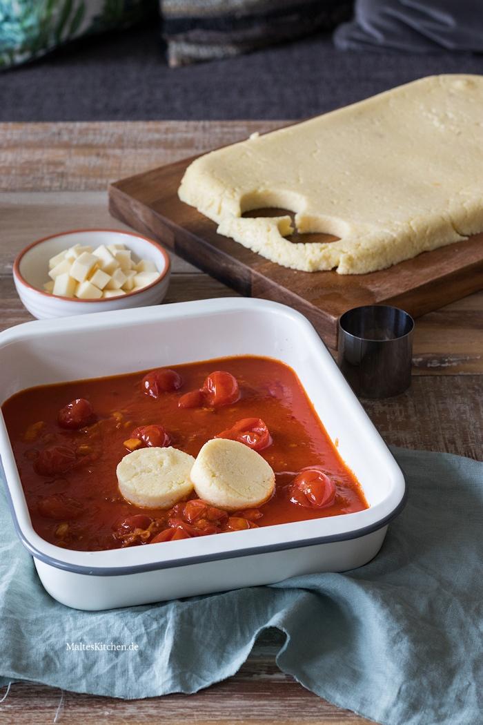 Griess-Gnocchi mit Tomatensauce