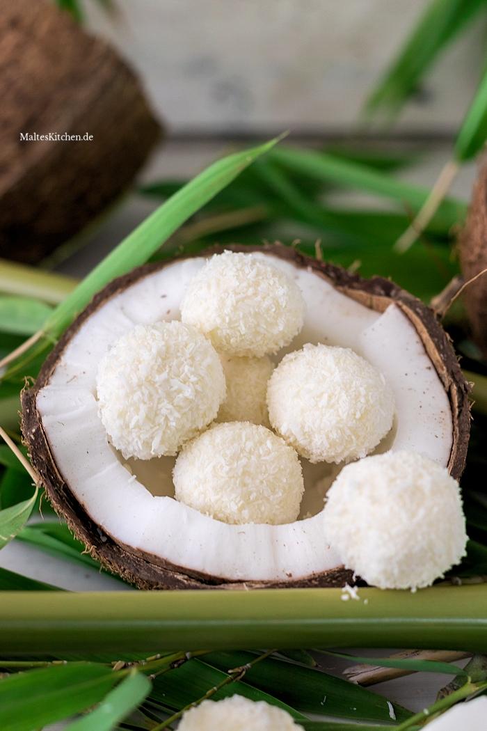Leckere Kokos-Eisbällchen