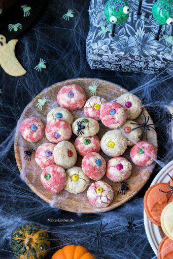 Gruselige Augen-Cookies für Halloween