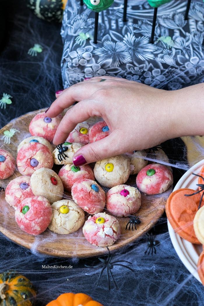 Cookies mit Augen für Halloween