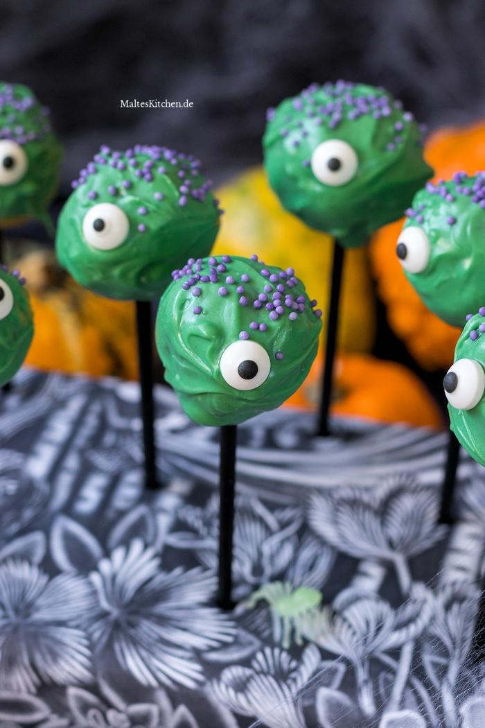 Lustige Cake Pops für Halloween