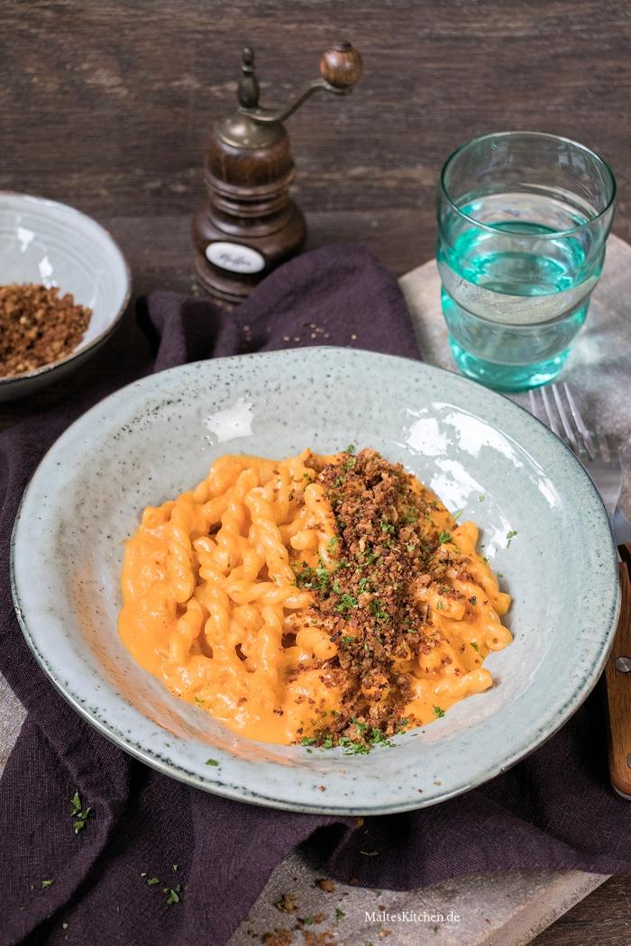 Cremige Paprikasauce und Pasta