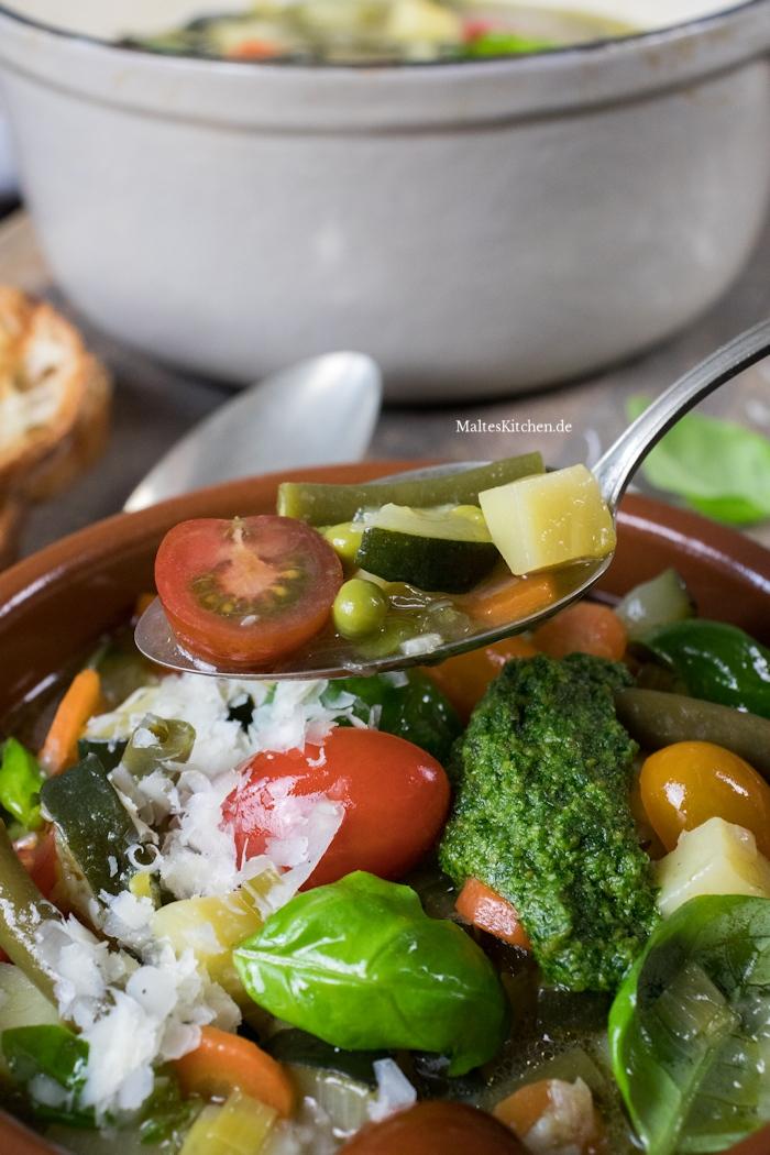 Super leckere Gemüsesuppe mit Salsa Verde