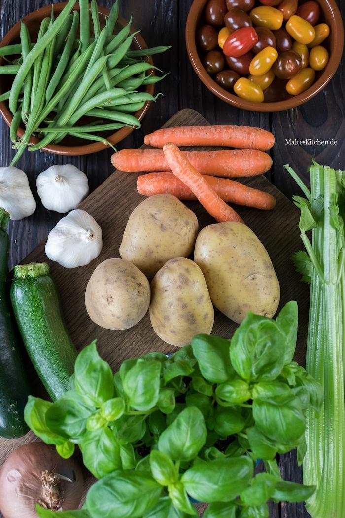 Das Gemüse für die Minestrone