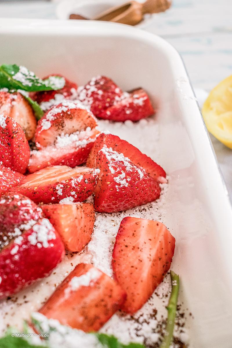 Im Ofen gebackenen Erdbeeren