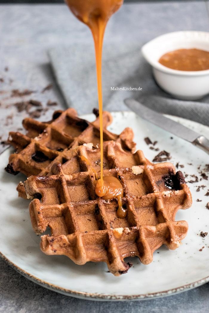 Knusprige schokoladige Brownie-Waffeln