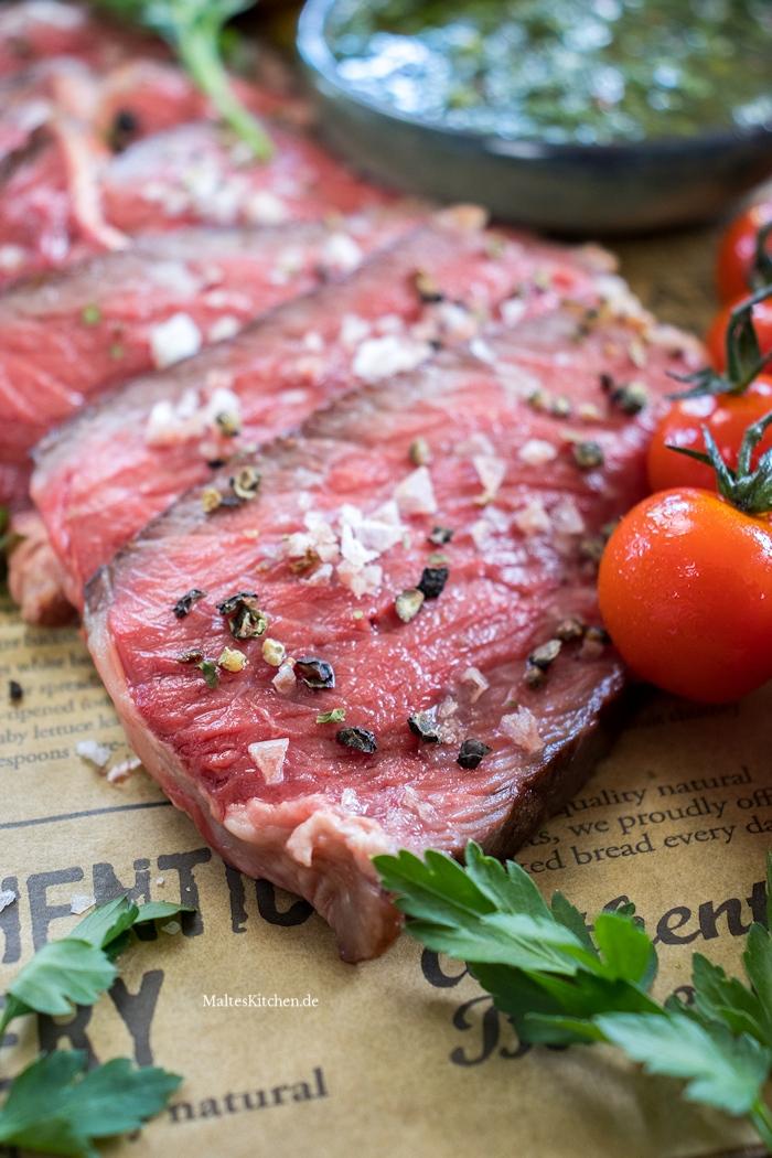Saftiges Tomahawk Steak vom Grill von Chateau Boeuf