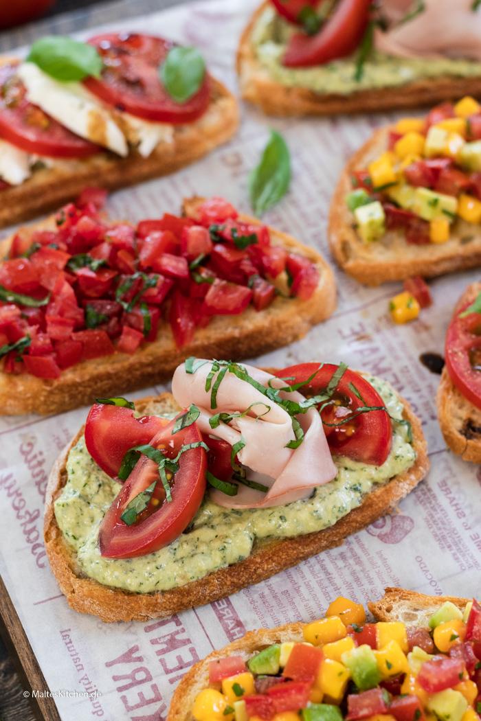 Crostini mit Tomaten und Pestocreme
