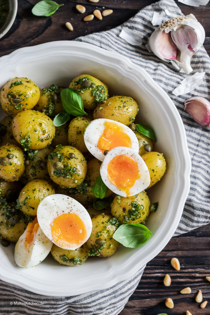 Kartoffelsalat mit Basilikumpesto