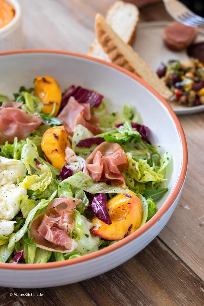Blattsalat mit Orangen-Senf-Vinaigrette