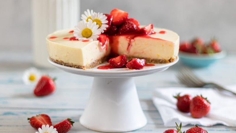 Rezept für einen Frischkäse Kuchen mit Erdbeeren