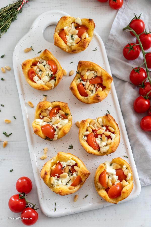 Frühstück mit leckeren knusprigen Törtchen aus Pizzaschneckenteig