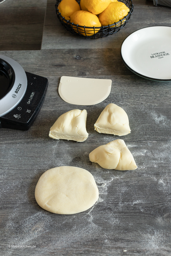 Pastateig aus Hartweißengrieß
