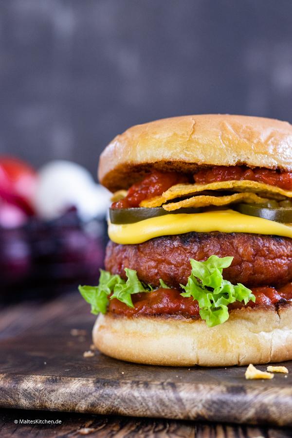 Saftiger Wonder Burger mit Tomaten-Paprika-Salsa