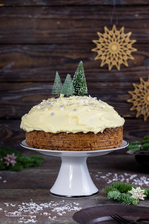 Saftiger Carrot Cake mit Frosting