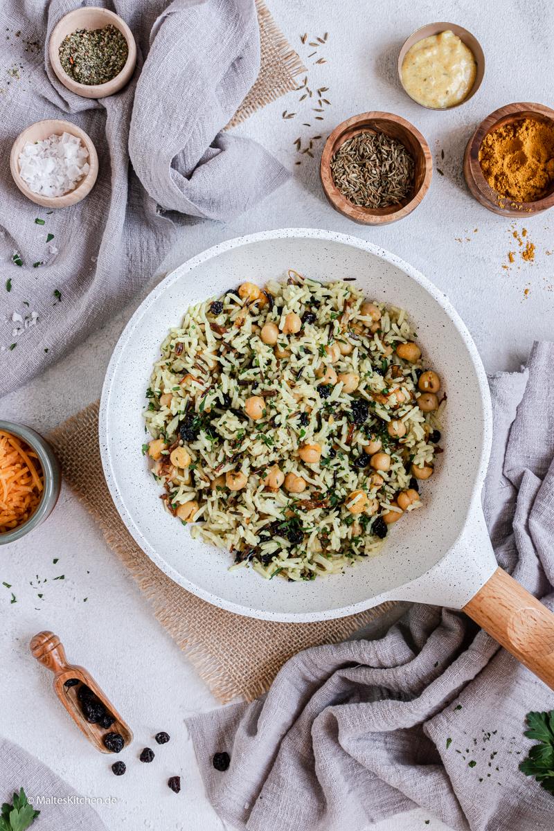 Leckere Reispfanne mit Kichererbesen