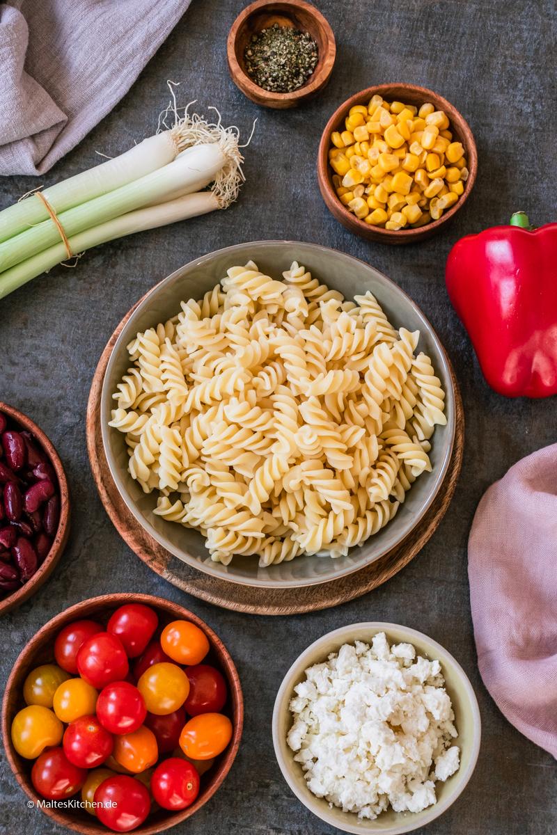 Zutaten für den Nudelsalat