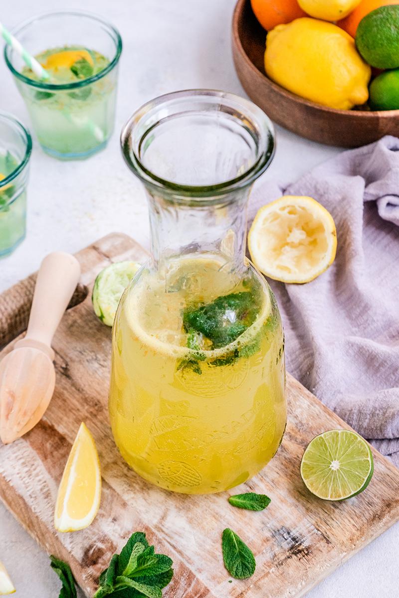 Erfrischende selbstgemachte Zitronade