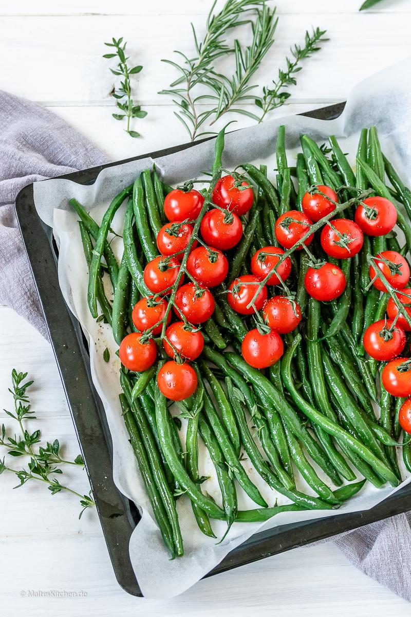 Grünen Bohnen mit Tomaten aus dem Ofen