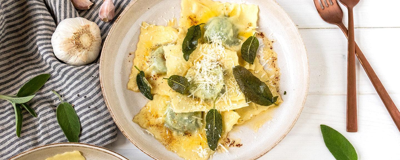 Rezept für selbstgemacte Ravioli mit Kartoffel-Spinat-Füllung